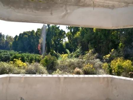 Toparlarda Satılık Köyceğiz Gölüne Yakın Villa